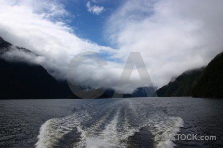 Fiord doubtful sound cloud new zealand mountain.