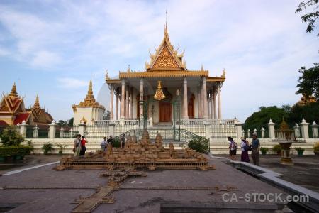 Gold pillar asia silver pagoda wat preah keo.