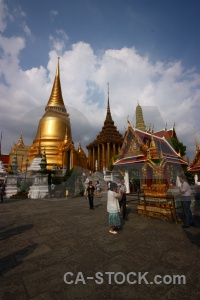 Grand palace gold temple of the emerald buddha wat phra si rattana satsadaram person.
