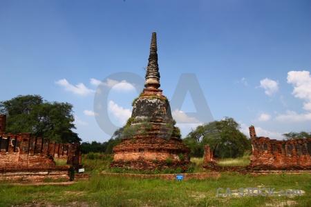 Grass wat phra si sanphet southeast asia cloud buddhist.