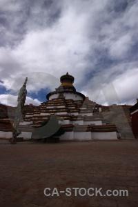 Gyangtse tibet baiju temple plateau tree.