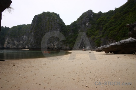 Ha long bay rock vinh ha cliff canoe.