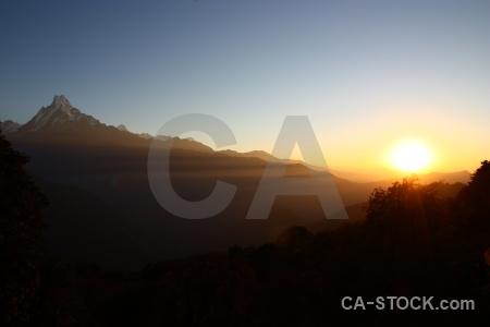 Himalayan annapurna sanctuary trek sunrise asia tadapani.