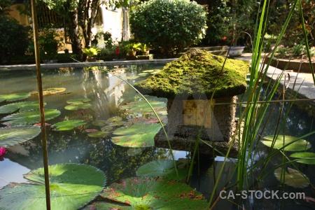 Hue an hien garden house southeast asia duc water.