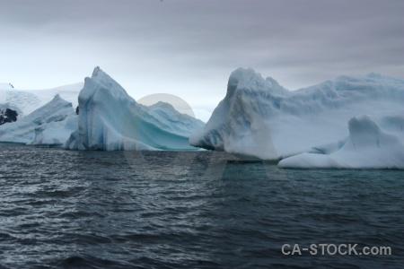 Ice horseshoe island sea square bay snow.