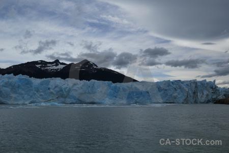 Ice sky lago argentino patagonia lake.
