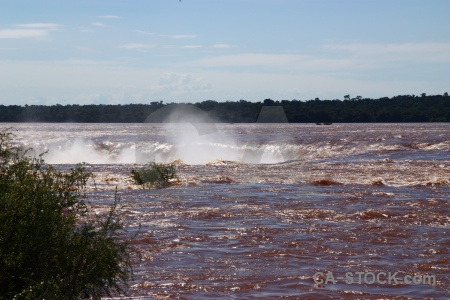 Iguazu river spray iguacu falls south america water.