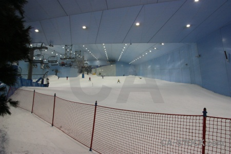 Inside snow ski skiing uae.