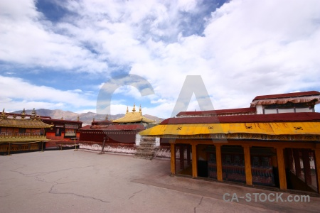 Jokhang sky temple china monastery.