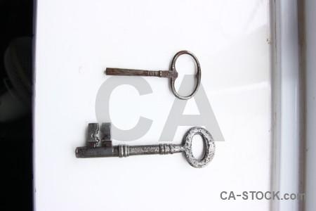 Key object white.