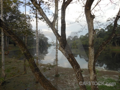 Khmer moat angkor thom lake siem reap.