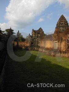 Khmer unesco banteay samre temple lichen fungus.