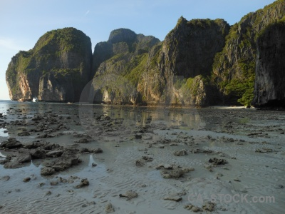 Ko phi ley rock the island maya bay beach.