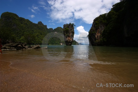 Ko tapu khao phing kan tree james bond limestone.