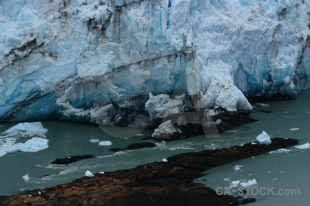 Lake lago argentino glacier terminus rock.