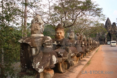 Lichen stone head asia angkor.