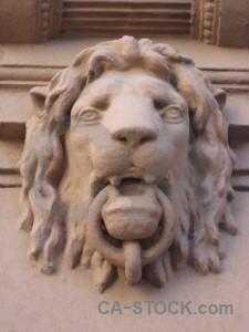 Lion animal statue.