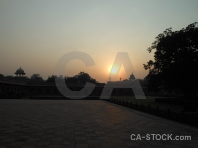 Mausoleum building mumtaz mahal mughal sunset.