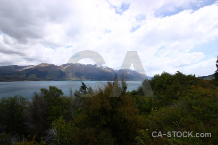 Mountain lake new zealand wakatipu cloud.