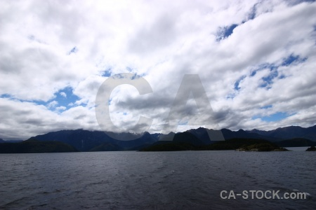 Mountain new zealand south island sky lake manapouri.