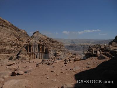 Nabataeans ad deir pillar historic jordan.