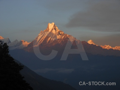 Nepal modi khola valley tadapani fish tail snowcap.