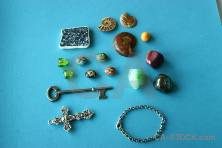 Object cross shell key stone.