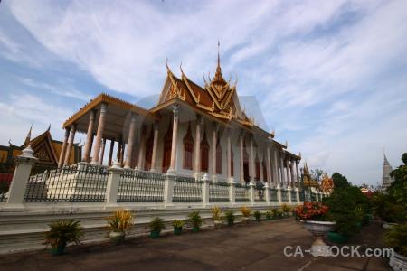 Pagoda railing preah vihear keo morakot sky temple.