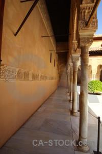 Palace arch pillar building alhambra.