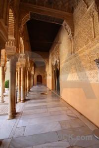 Palace pillar brown alhambra granada.