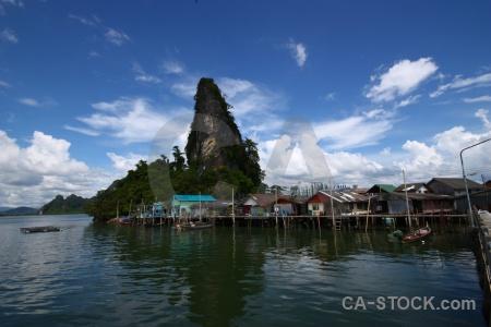 Phang nga bay floating koh panyee ko panyi building.