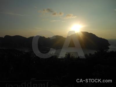 Phi phi island bay sunrise sea pee viewpoint.