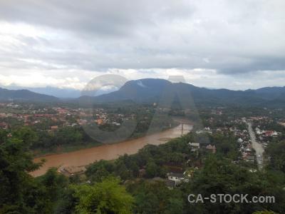 Phousi water luang prabang tree mount phu si.
