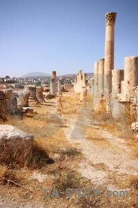 Pillar ancient jarash ruin block.