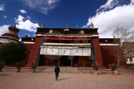 Plateau altitude asia himalayan building.