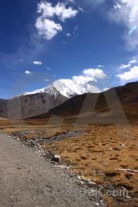 Plateau desert altitude dry pass.
