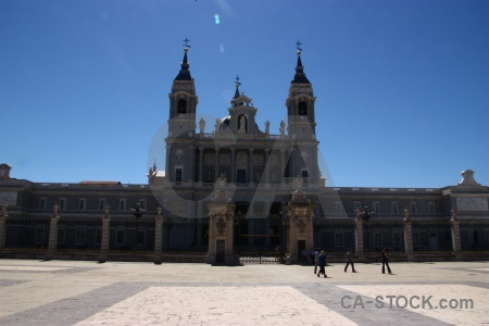 Plaza sky spain almudena cathedral europe.