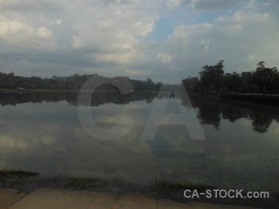 Preah pisnulok pond temple cambodia unesco.