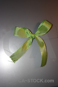 Ribbon object green gray.
