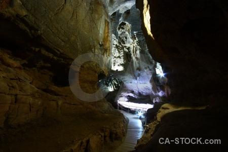 Rock cave javea cueva de las calaveras path.