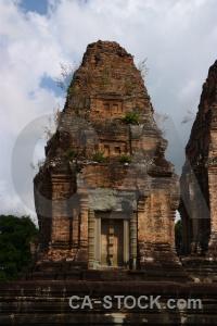 Ruin eastern mebon khmer angkor buddhist.