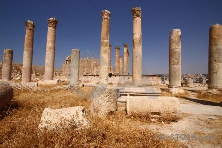 Ruin jarash pillar gerasa archaeological.