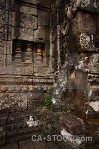 Ruin prasat bayon carving khmer buddhist.