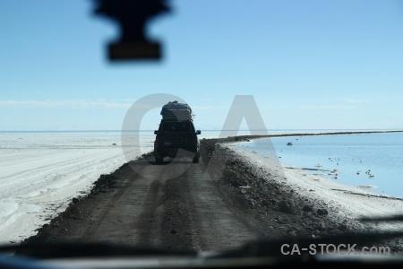 Salar de uyuni salt flat car bolivia.
