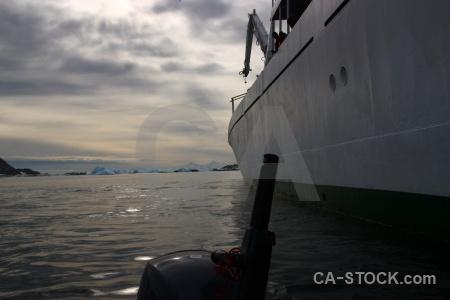 Sea antarctica sky boat akademik ioffe.