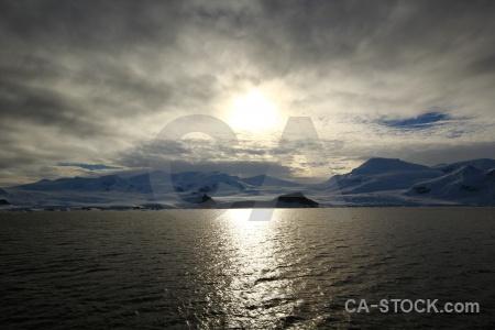 Sea south pole mountain snow day 6.