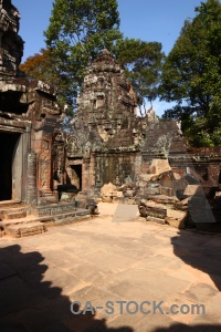 Siem reap buddhist angkor temple sky.