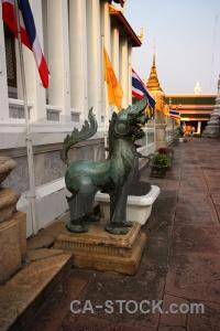 Sky buddhism wat phra chettuphon wimon mangkhlaram ratchaworama bangkok temple of the reclining buddha.