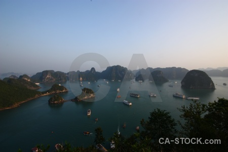 Sky cliff ha long bay boat titov island.