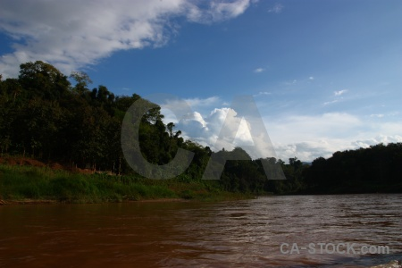 Sky cloud laos ban en river.